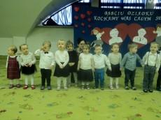 2-latki grupa Rybki i 3-latki grupa Kangurki - Dzień Babci i Dziadka