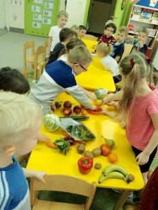 5-latki grupy Sówki i Delfinki - spotkanie z panią dietetyk