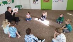 grupa Kangurki - Gimnastyka naszej buzi i języka - poznajemy pracę logopedy