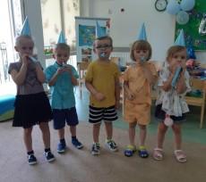 Grupa Pingwinki - 4 urodziny Hani