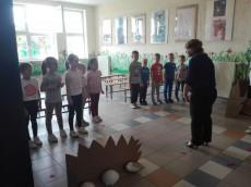 grupa Wiewiórki - Wizyta w Szkole Katolickiej